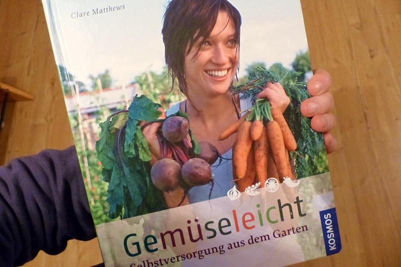 Gemüseleicht-Rezension-das-beste-Gartenbuch-für-Anfänger-Selbstversorger-Clare-Matthews
