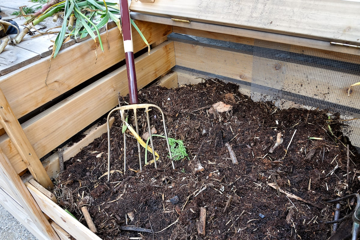Kompost aus Holz selber bauen